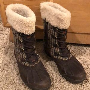 UGG event fabric boots